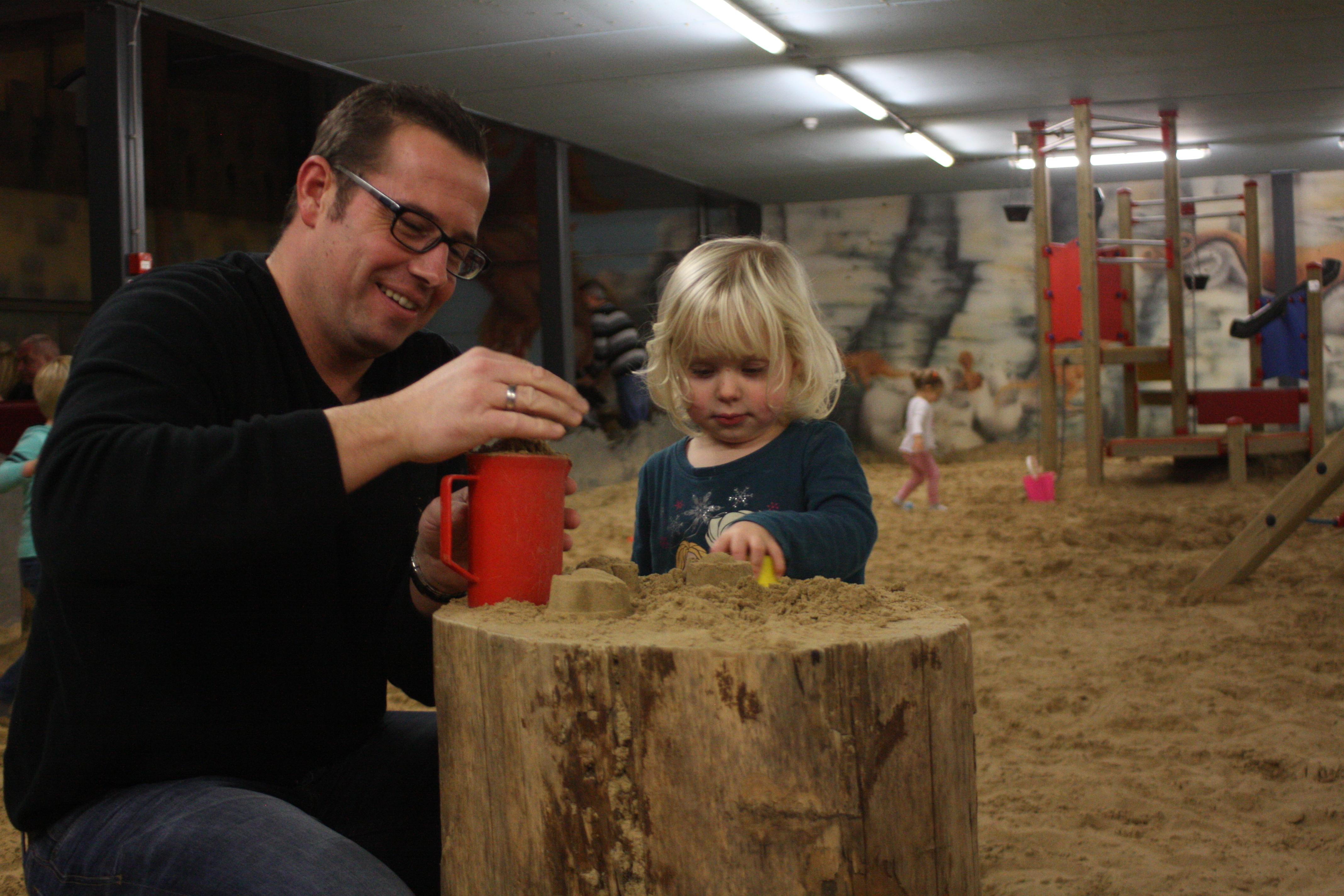 Binnenspeeltuin reuze zandbak